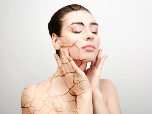 Шелушится и сохнет кожа тела: почему это происходит и что делать?